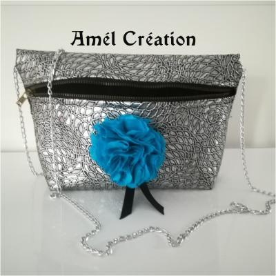 sac bandoulière - modèle strass argent et fleur bleu