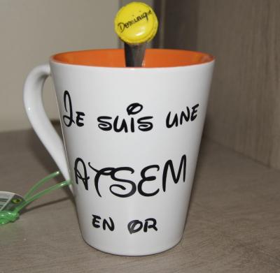 Sticker pour mug Je suis une ATSEM en or