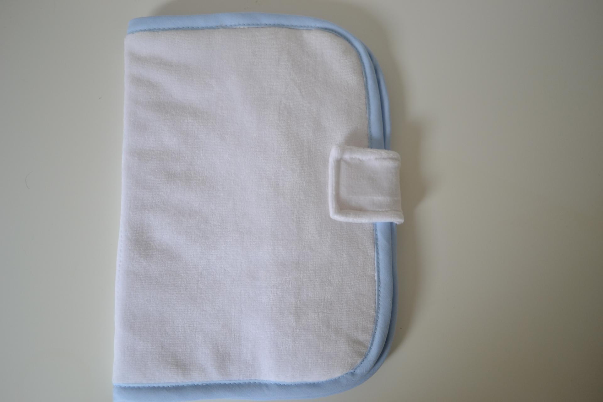 Protege carnet de sante a personnaliser lisseret bleu