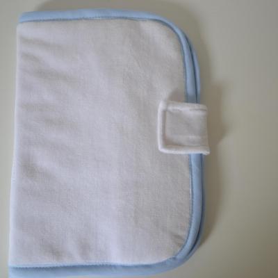 Protège carnet de santé bleu angle arrondi à personnaliser