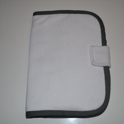 Protège carnet de santé gris angle arrondi à personnaliser