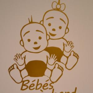 Sticker bebe a bord enfant en couches 2
