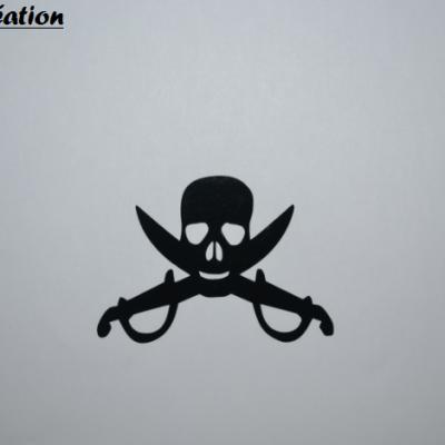 Stickers pirate - tete de mort et épée